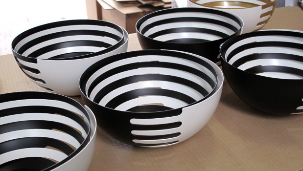 The Production Of ECLIPSE Fruit Bowls. There Will Also Be A New Colour  U201cgold X Whiteu201d.